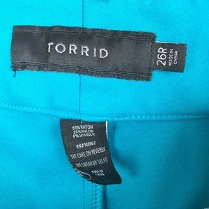 2cb8e2578cb02 torrid Pants - Torrid Sz 20   26 Turquoise Ponte Knit Crop Pants